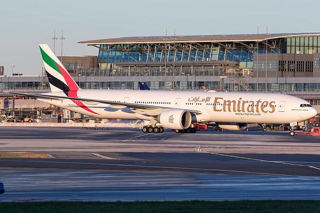A6-ECU / Emirates / Boeing 777-31H(ER)