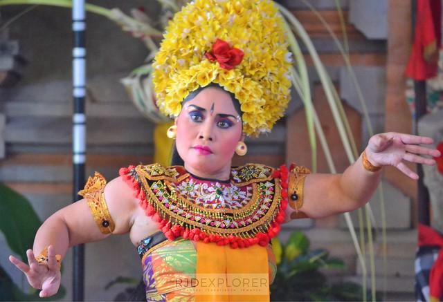 bali itinerary barong and kasik dance