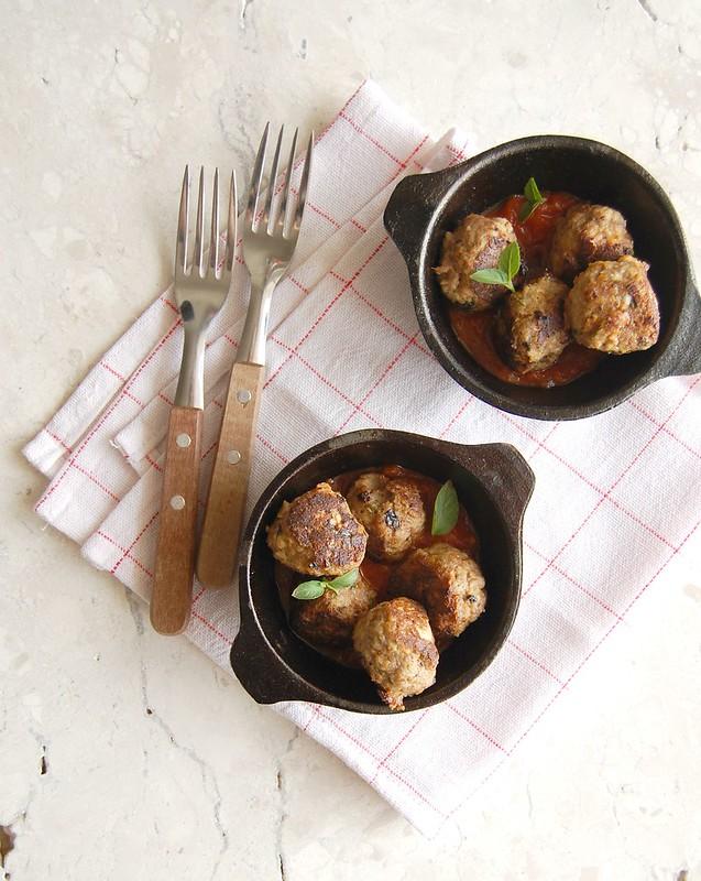 Almôndegas de carne e ricota / Beef and ricotta meatballs