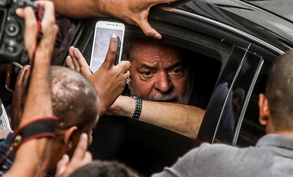 Juíza ordena transferência de Lula de Curitiba para São Paulo; pedido foi feito pela PF