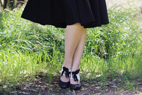 Glamour Bunny Gwenn Swing Dress in Black