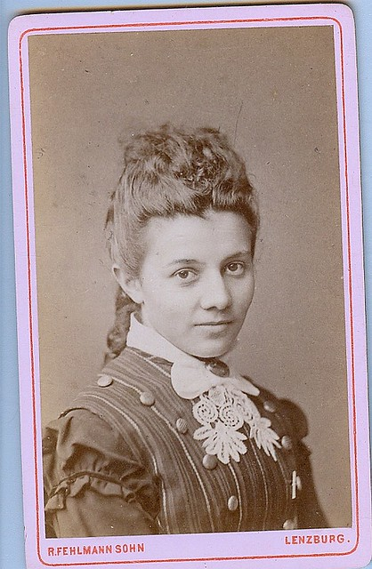 Lovely woman looks right into camera  cdv