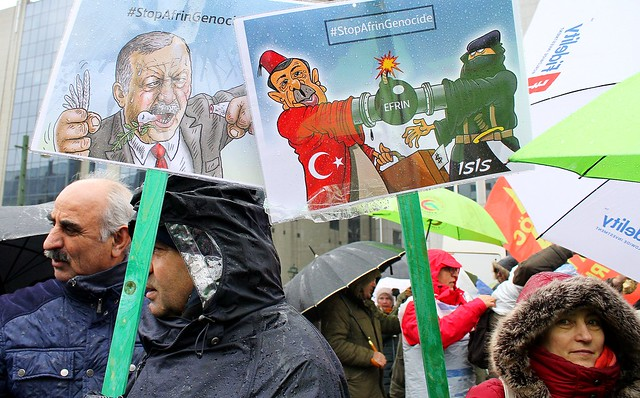 Betoging tegen NAVO en tegen invasie in Afrin // Liesbeth