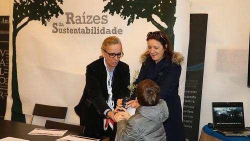 Doze freguesias do Concelho recebem árvores autóctones_21-03-2018 (2) (1)