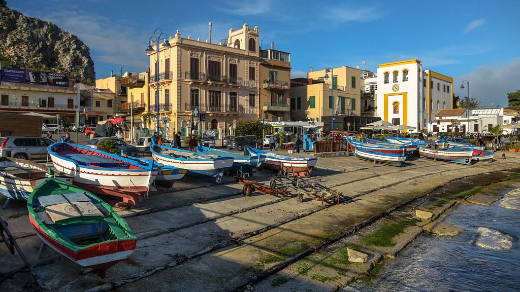 Bateaux à quai à Mondello - Photo de Jorge Franganillo