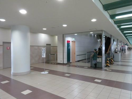 福島競馬場の3階エスカレーター