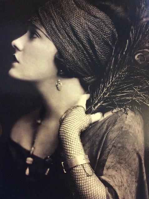 Gloria Swanson 1919, Apple iPad Air, iPad Air back camera 3.3mm f/2.4
