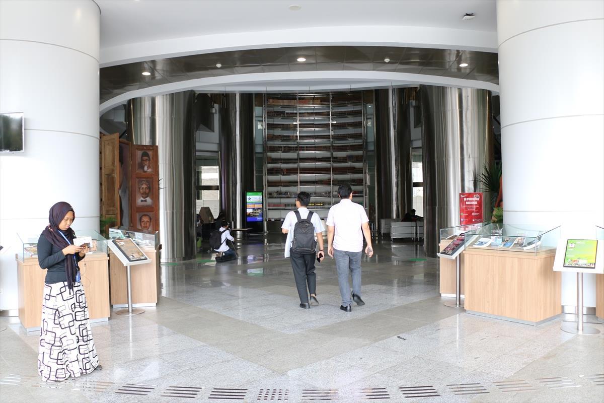 مكتبة 7