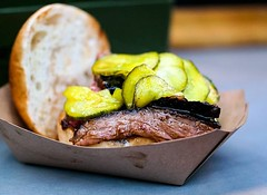 I had my first @flanklondon #brisket roll a couple of weeks ago and I can't wait to go back to have another one. And no sharing this time! Good bread roll, good pickles (just the right flavour balance), great #meat ! Check them out @oldspitalfieldsmarket