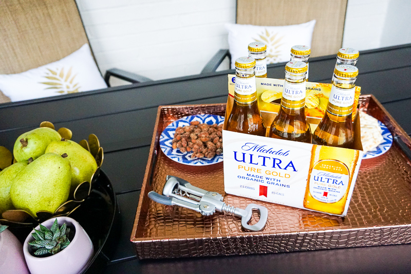 Michelob-ultra-pure-gold-beer-tray-of-snacks-6-pack-bottle