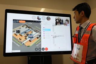 防災センターから「Cisco Spark」を通じて管理要員や防災センター人員の位置を把握し、指示する様子