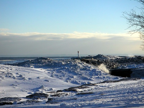 Frozen Waves of Lake Ontario