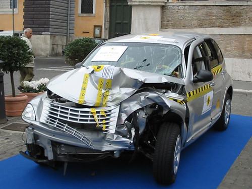 Chrysler pt cruiser crash test #1