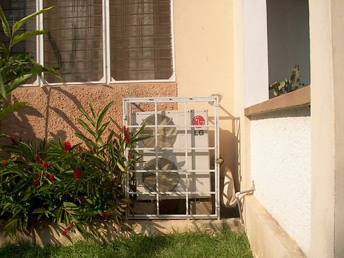 Essential caged air conditionners