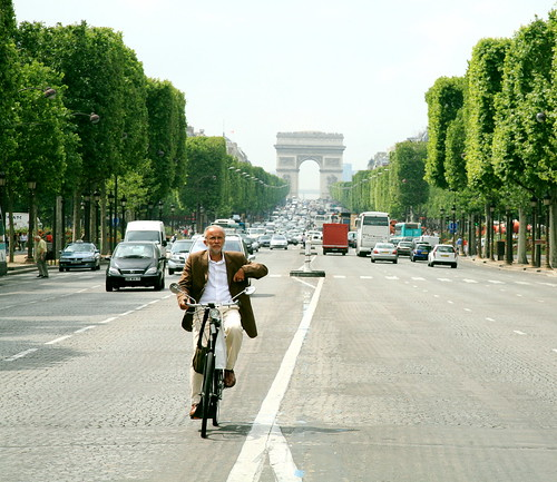 Not every cyclist finds the traffic in Paris such a doddle. Photo: Steve Jurvetson