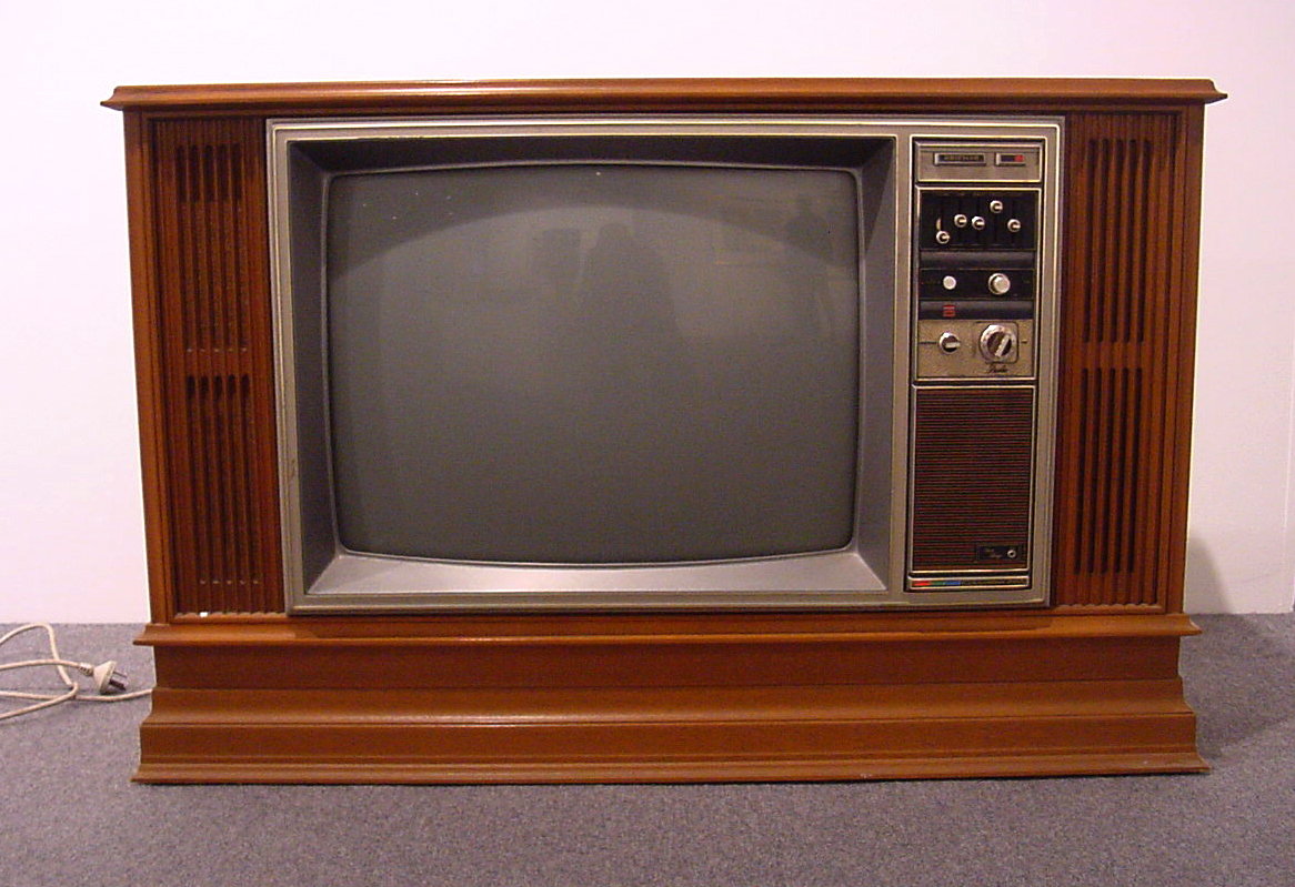 old tv set flickr photo sharing. Black Bedroom Furniture Sets. Home Design Ideas