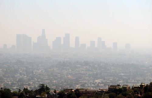 溫室氣體和其他空氣污染物質壟罩洛杉磯上空。(圖:Ben Amstutz)