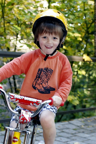 learning to ride a bike    MG 2938