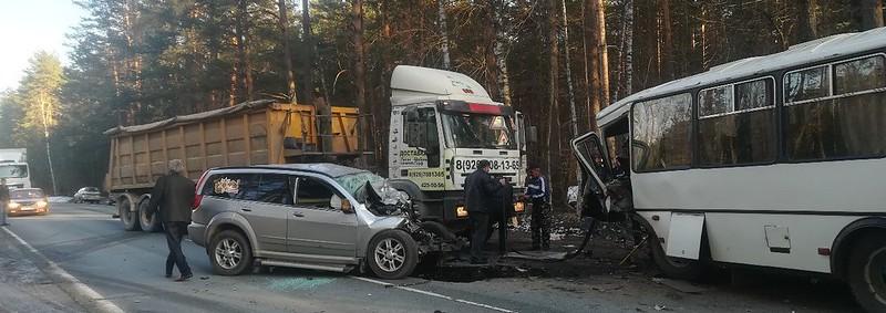 Автобус Селивановского АТП попал в ДТП
