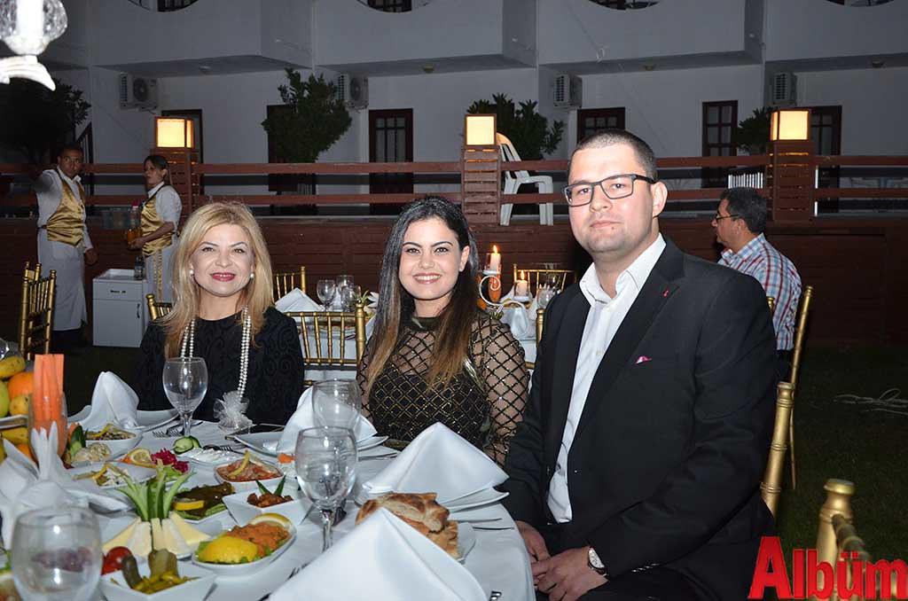 Selma Yelken, Begüm Yelken, Mehmethan Demirkale
