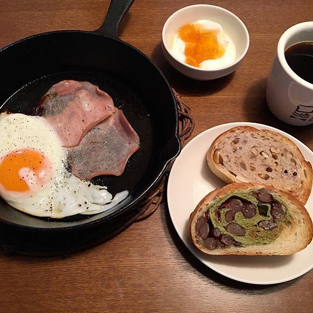 Photo:朝ご飯なう… #粗食部 #ニトスキ #ハムエッグ #のようなモノ #ティンカーベル #tincarbell #天然酵母パン By lefty1007
