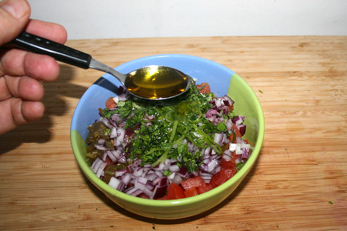 47 - Olivenöl dazu geben / Add olive oil