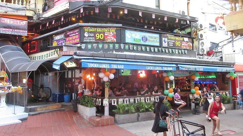 Bangkok Weekend Fun Food Family