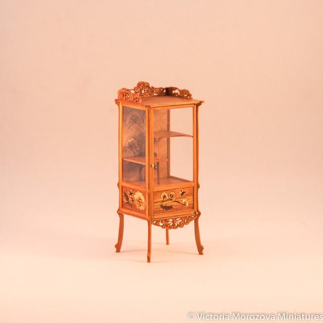 Emile Galle Art Nouveau Vitrine in Miniature-3.jpg