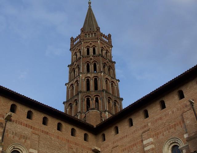 Clocher de la basilique Saint-Sernin de Toulouse, France.