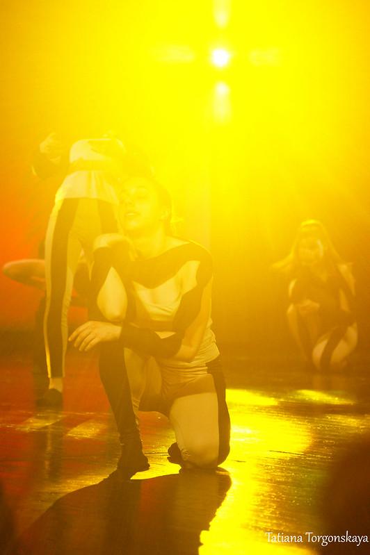 "Танец ""Perfume"" от клуба ""Diano"""