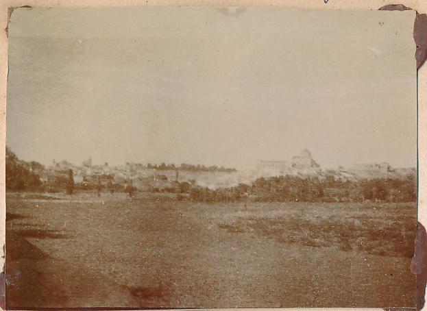 Vista de la vega del Tajo en lazona de Safont en Toledo en 1898. Fotografía de un anónimo francés.