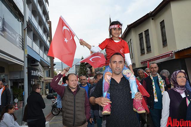 Türk Eğitim Sen Alanya Temsilciliği 18 Mart Çanakkale Zaferi Anısına Şehitlere Saygı Yürüyüşü