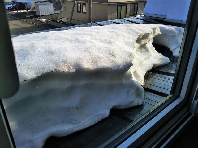 屋根の残雪
