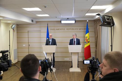 05.04.2018 Briefing de presă, copreședinții Comitetului Parlamentar de Asociere UE - Republica Moldova, Eugen Carpov și Andi Cristea