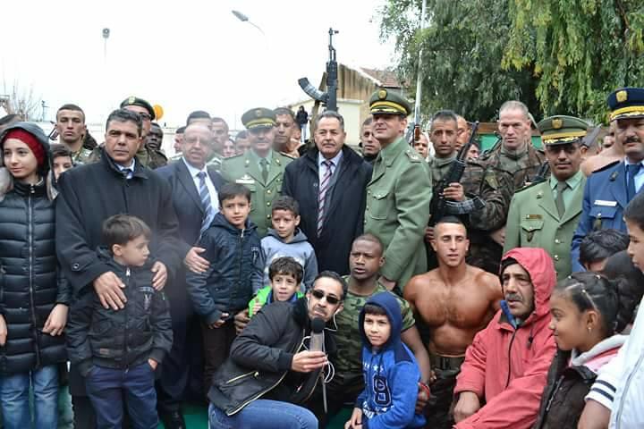 موسوعة الصور الرائعة للقوات الخاصة الجزائرية - صفحة 63 40360718894_272ea9a65f_b