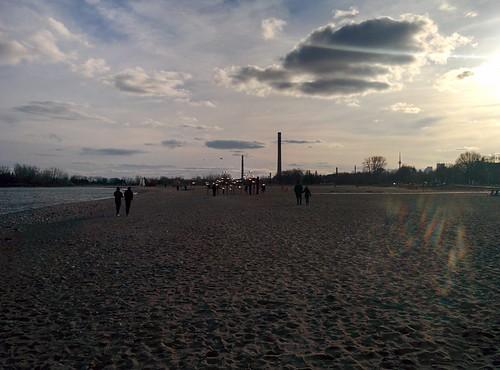 Towers to the west #toronto #beaches #woodbinebeach #evening #towers #cntower #latergram