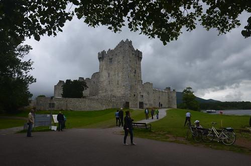 Das Schloss Ross Castle am See von Killarney