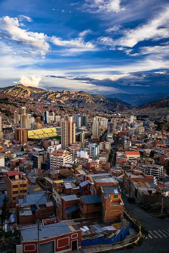 horizon miradorkillikilli sunset overlook bolivia city parquemiradorkillikilli southamerica evening viewpoint dusk sabbatical urban bluehour twilight sky buildings clouds lapaz