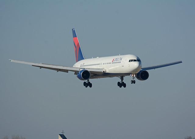 Delta Airlines Boeing 767, Nikon D7100, AF-S Nikkor 80-400mm f/4.5-5.6G ED VR