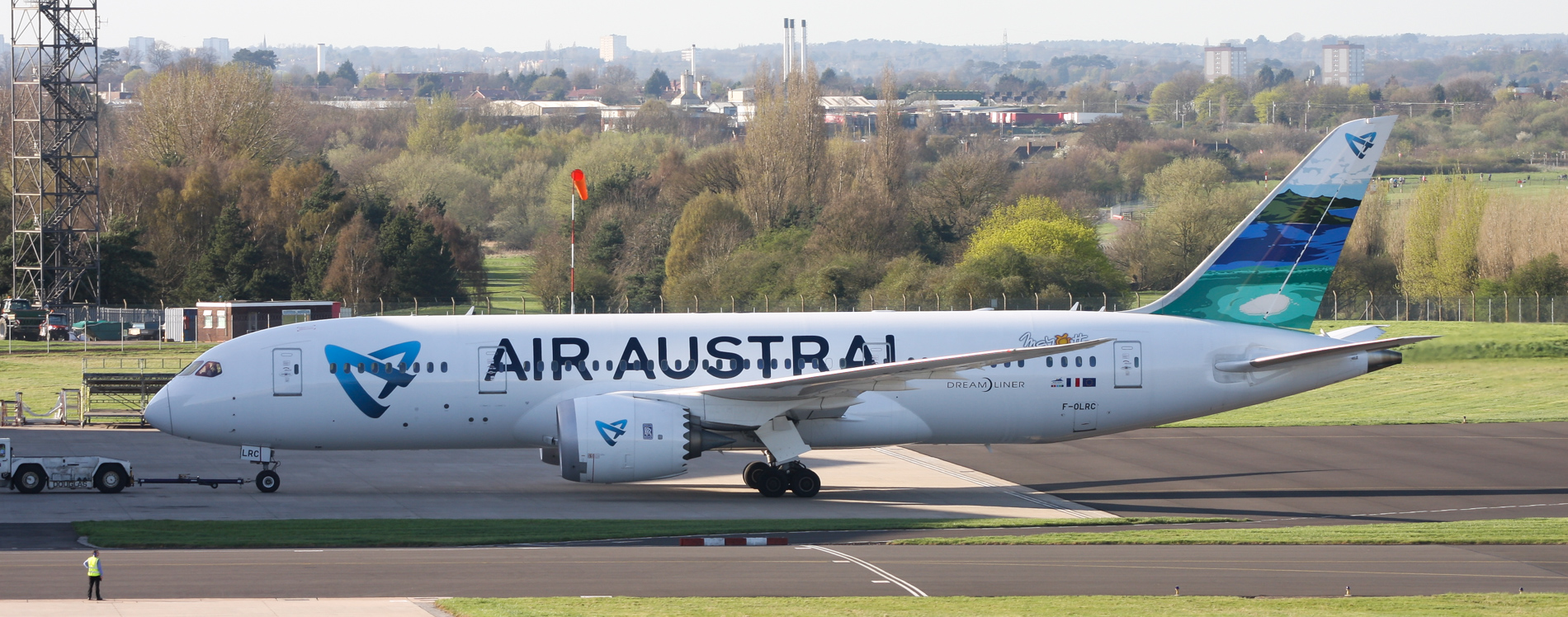 Air Austral 787-8 F-OLRC