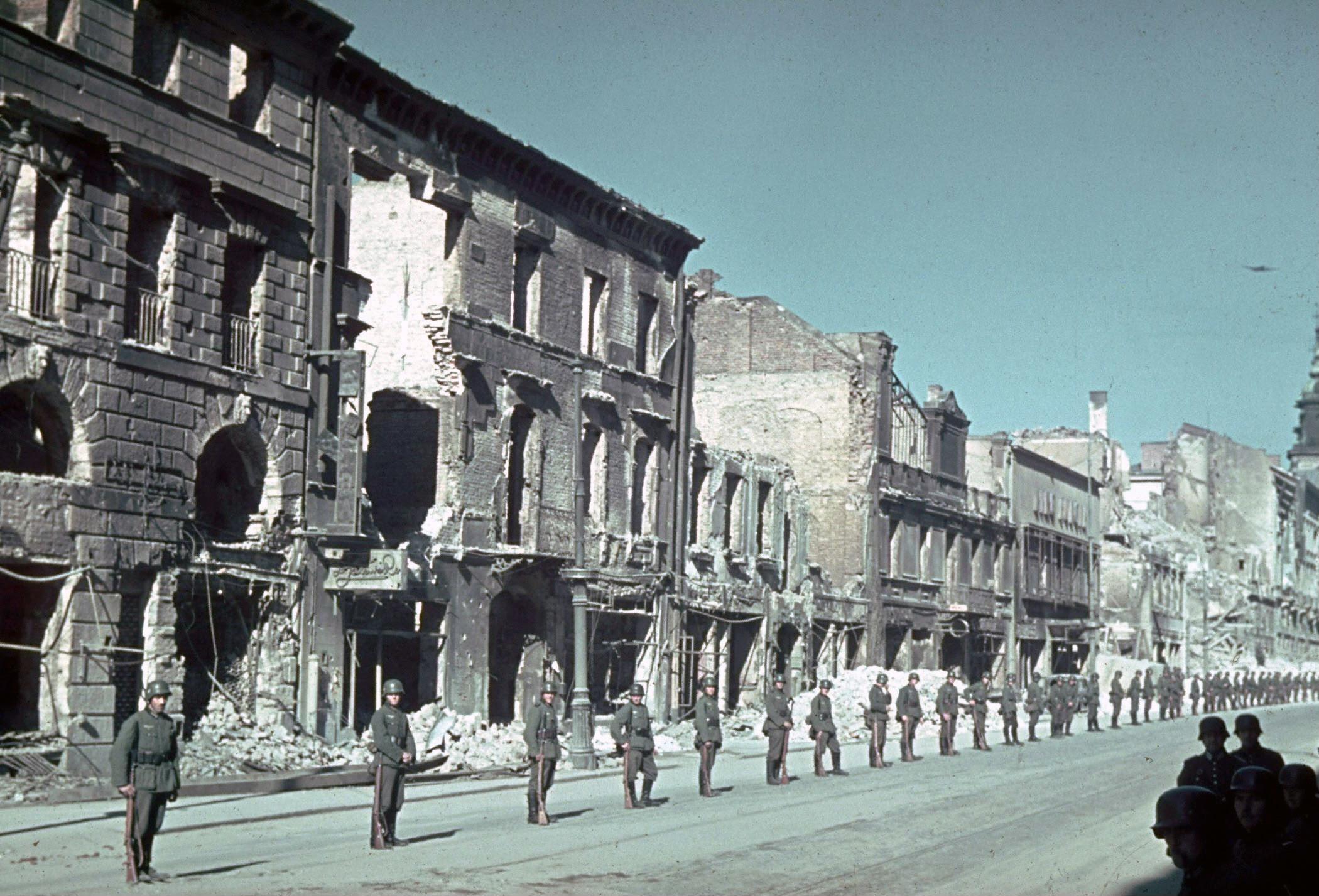 1939 г. Варшава. Ул. Новый Свет