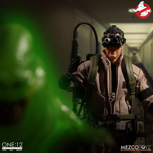 「新增特效官圖!」身邊有怪事嗎?打給他們就對啦~~ MEZCO ONE:12 COLLECTIVE 系列《魔鬼剋星》四人豪華套裝組 Ghostbusters 1/12 比例人偶作品