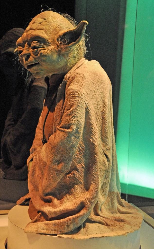 Yoda Full Body Left Yoda Puppet Displayed At Star Wars Th Flickr