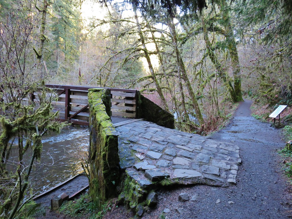 Footbridge over North Fork Silver Creek