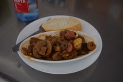 Salteado de salchichas y champiñones al ajillo - El Cangrejo