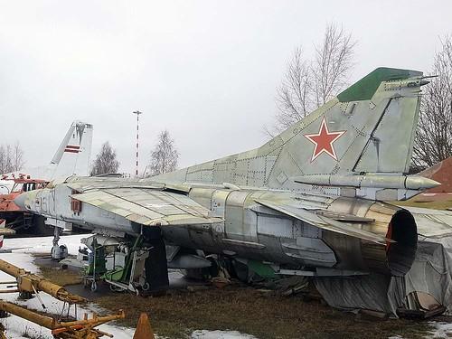 0390206503 16 red MiG-23 Riga-Skulte 10-3-18
