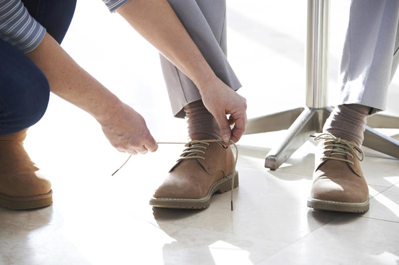 เลือกรองเท้าผู้สูงวัย
