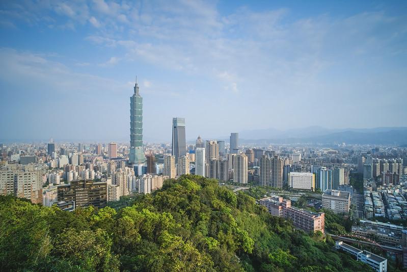 朝の台北都市風景