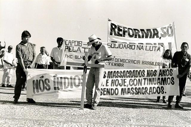 Manifestação em protesto contra o Massacre do Eldorado dos Carajás (Distrito Federal, 23 abr. 1996)