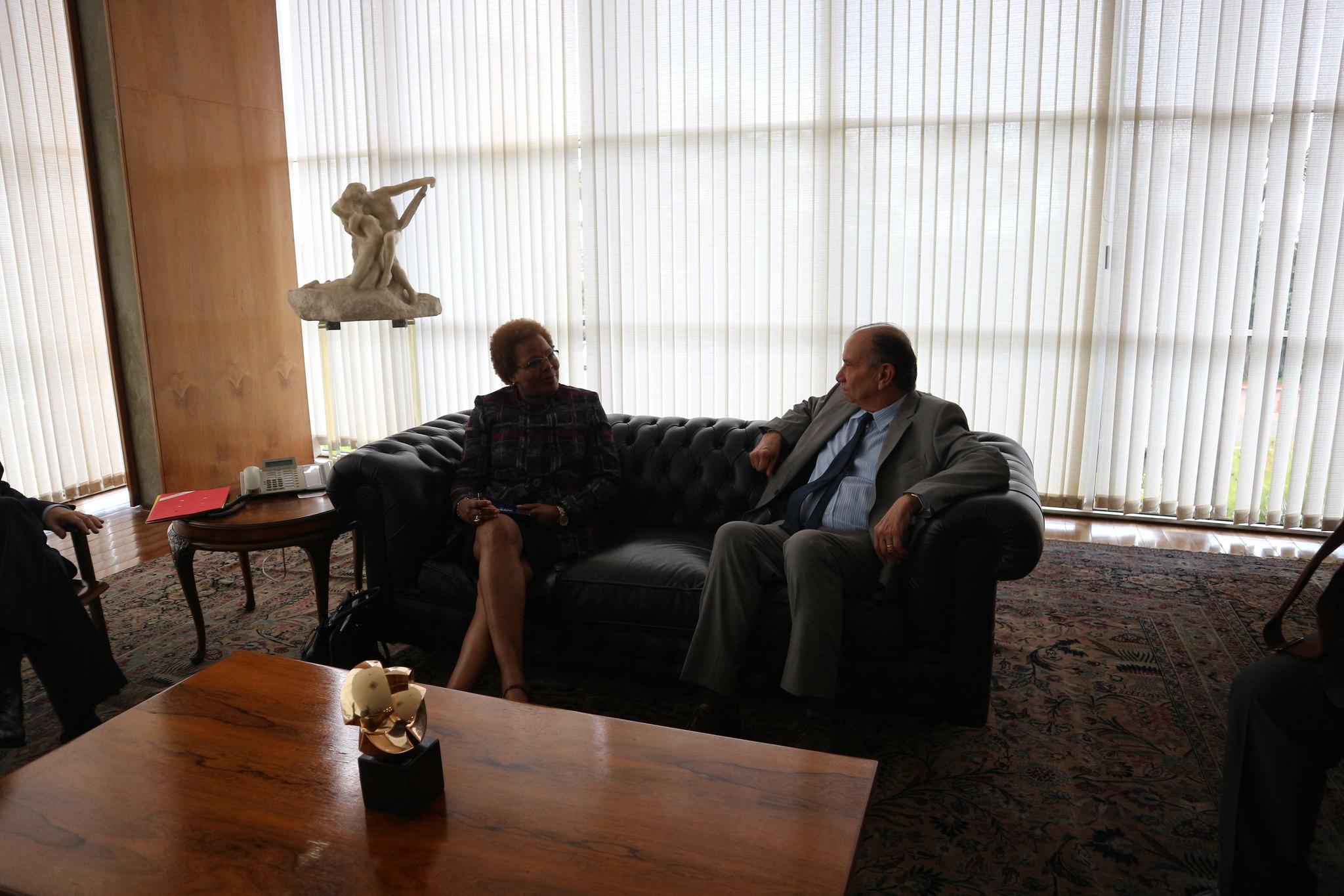 18.03. Ministro de Estado das Relações Exteriores do Brasil recebe Secretária Executiva